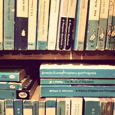 teal and books... could there *be* a more beautiful combination? #books