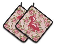 Skunk Shabby Chic Pink Roses Pair of Pot Holders BB1125-RS-PK-PTHD