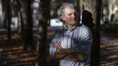 """Hoxe queremos recomendarvos a tod@s @s amantes da lectura e da natureza """"El libro de la madera"""" de Lars Mytting. Deixámosvos un artigo sobre el para que lle votedes unha ollada. Hoy queremos recomendaros a tod@s l@s amantes de la lectura y de la naturaleza """"El libro de la madera"""" de Lars Mytting. Os dejamos un artículo sobre el para que le echéis un ojo. http://www.eldiario.es/cultura/Lars-Mytting-devuelve-naturaleza-madera_0_580242601.html"""