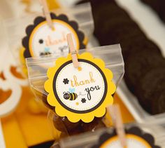 cute thank yous Zip lock sweets with clothes pin tag Bumble Bee Birthday, Bee Gender Reveal, Mommy To Bee, Bee Creative, Gender Party, Baby Party, Favor Tags, Party Favors, Favours