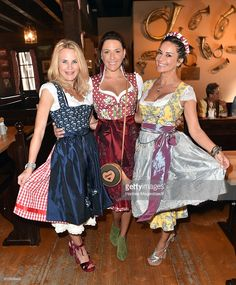 Resultado de imagem para traje típico alemão feminino
