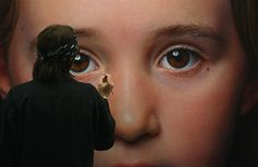 ART: Hyper Realistic Paintings by Gottfried Helnwein Gottfried Helnwein is one of the most well-known contemporary artists from Vienna, recognized for his hyper-realistic works depticing messages of. Portraits, Portrait Art, Ray Caesar, Gottfried Helnwein, Hyperrealism Paintings, Hyper Realistic Paintings, Realism Art, Naive Art, International Artist