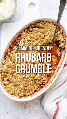 Delicious Rhubarb Crumble with oat crumble topping - healthier and suitable for Weight Watchers and Slimming World! Slimming World Sweets, Slimming World Puddings, Slimming World Recipes Syn Free, Slimming World Baked Oats, Slimming World Biscuits, Slimming World Breakfast, Slimming World Diet, Oat Crumble Topping, Health Desserts
