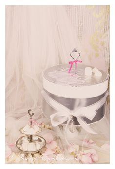 "Les urnes mariage Moments Enchantes. collection ""Glamour"" en voir plus sur www.moments-enchantes.com"