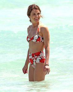 812afbe9f06e3 Keri Russell Looks Hotter Than Ever in a Retro Bikini