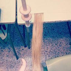 Primera trama de pelo para confección de peluca. #Trama #PeloSintetico #Posticería #Caracterización #Telar