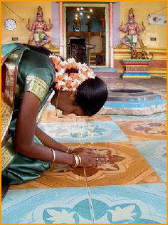 Prayer can leave you Serene & Tranquil Saris, Namaste, Hindu Worship, State Of Decay, India Travel Guide, Zen, Amazing India, India Colors, Hindu Temple