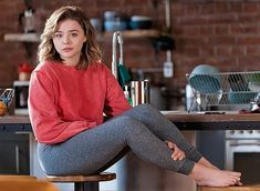 Share, rate and discuss pictures of Chloë Grace Moretz's feet on wikiFeet - the most comprehensive celebrity feet database to ever have existed. Chloe Grace Moretz Feet, Baby Chloe, Chloe Morets, Ciara Bravo, Barefoot Girls, Actrices Hollywood, Maisie Williams, Elle Fanning, Celebrity Feet