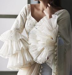 Looking for blouse designs photos? Here are our picks of 30 trending saree blouse models that will blow your mind. Blouse Back Neck Designs, Sari Blouse Designs, Saree Blouse Patterns, Fancy Blouse Designs, Saree Blouse Models, Sleeves Designs For Dresses, Sleeve Designs, Stylish Blouse Design, Sarees