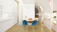 """Java Architecture and Atelier Brunoir tempered their preference for """"soberness and order"""" to deliver this gold and pink jewellery store."""