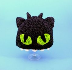Toothless Hat How to Train Your Dragon. Easy enough even though there's no pattern on this particular link (link is for ordering a hat)