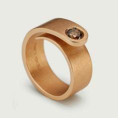 Niessing diamond & gold ring