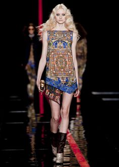Just Cavalli Fall 2013: Royal style trend