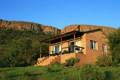 ZA Places to escape crowds - lots of self catering options including Magaliesburg & Harties