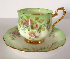 Beautiful Royal Albert China Tea cup and Saucer Teacup Set