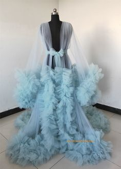 Girl Maternity Pictures, Maternity Dresses For Photoshoot, Maternity Gowns, Diy Dress, Tulle Dress, Tulle Tutu, Fancy Robes, Girl Outfits, Fashion Outfits