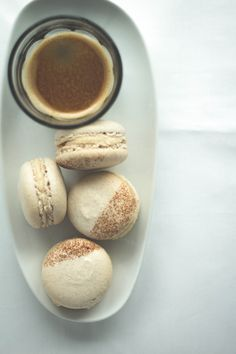 Apple & Cinnamon Macarons