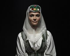 Bonnet from Ždiar, Slovakia Folk Clothing, Folk Costume, Ethnic Fashion, Fashion History, Traditional Outfits, Beautiful People, Petra, Culture, Beauty