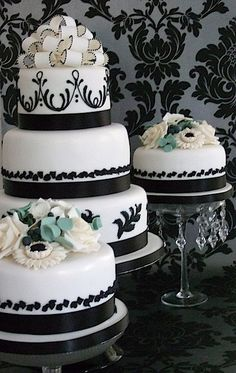We're loving this black and white wedding cake, with just a hint of colour. Definitely worthy of our #fridayfavourite repin - what do you think?