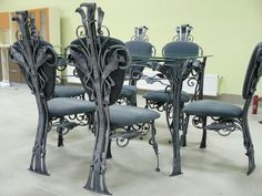 Unique Gothic Chair Designs For Your Classic Home Art Furniture, Kitchen Chairs, Dining Chairs, Gothic Chair, Iron Decor, Metal Chairs, Classic House, Living Room Chairs, Dining Room