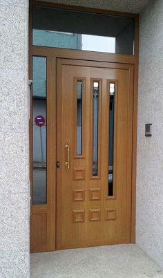 Christmas 2019 : Wooden doors in different styles House Main Door Design, Wooden Front Door Design, Home Door Design, Door Design Interior, Wood Front Doors, The Doors, Kitchen Door Designs, Modern Wooden Doors, Modern Door