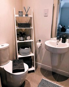 The post 28 Impressive Bathroom Storage Ideas Smart Solution Big Impact! appeared first on Badezimmer ideen. Small Bathroom Storage, Bathroom Organisation, Small Storage, Organization Ideas, Bathroom Ladder Shelf, Bathroom Storage Solutions, Toilet Storage, Food Storage, First Apartment Decorating