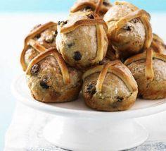 no-fuss hot cross bun Easy Shepherds Pie, Cottage Pie, Hot Cross Buns, Vegetable Puree, Bbc Good Food Recipes, Family Meals, Easy Meals, Favorite Recipes