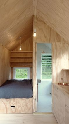 Creative way to add in a small room Tiny House Cabin, Tiny House Living, Small Living, Cabin Design, Tiny House Design, Chalet Modern, Plywood Interior, Cabana, Fresh Prince