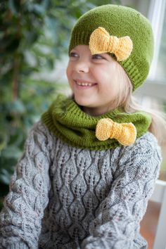 Bufanda bucle infinito punto verde para niña con por ShnopShnop, $29.00