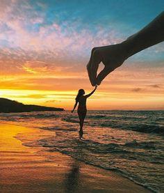 30 Fun Beach Vacation Photography Ideas You Need To Try - Feminine Buzz