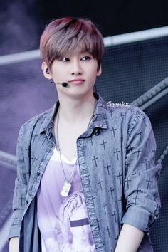 Eunhyuk is prettier than most people which is why he gets hate. Always remember that.