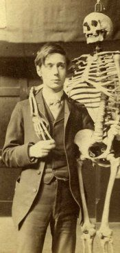 H. G. Wells and a skeleton. Wells never got respect as serious talent. Fact is: he was a major talent!