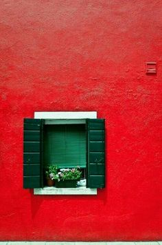 Burano im Rot, Venedig, Italien – Sky King – Join the world of pin Atelier Architecture, Fred Instagram, Restaurants In Paris, Red Photography, Windows, Red Aesthetic, Shades Of Red, Color Inspiration, Aesthetic Wallpapers