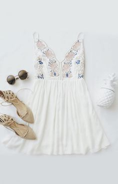 Best of New: Daisy Petal Pickin' Ivory Embroidered Dress