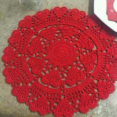 New knitting blanket red yarns Ideas Crochet Round, Crochet Home, Filet Crochet, Crochet Doilies, Crochet Yarn, Crochet Stitches, Cotton Crochet, Easy Crochet Blanket, Crochet Blanket Patterns