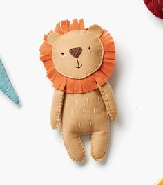 Sew throw pillows, clothing, blankets, quilts and more with JOANN's selection of sewing projects and ideas! Find sewing projects for kids and adults. Felt Owls, Felt Animals, Felt Patterns, Stuffed Toys Patterns, Sewing Projects For Kids, Diy Craft Projects, Felt Diy, Felt Crafts, Peluche Lion