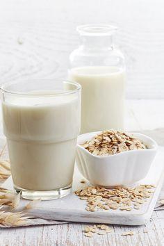 Ingredientes: • 2 xícaras (chá) de aveia em flocos • 3 xícaras (chá) de água