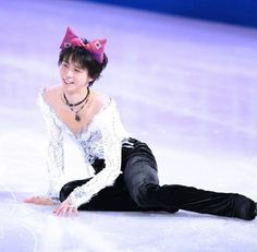 well i now cease to exist. yuzuru what did you do.  and who told u to wear cat ears? xoxoxoxoxox