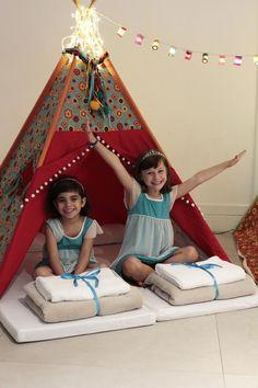 Festa do Pijama com cabaninhas - Zzzuzuê