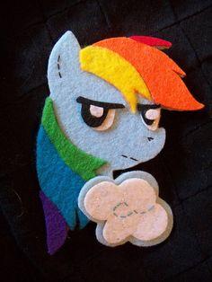 felt pin rainbowdash