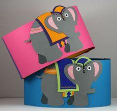feestmutsen roze en blauw met circusolifanten
