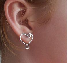 Wire Heart Earring. I think I can make this!