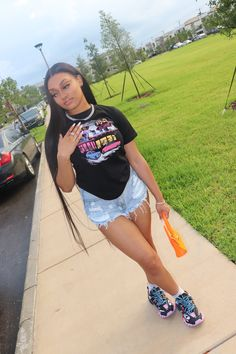 """prototype . on Twitter: """"On chill 🥶… """" Baddie Outfits Casual, Boujee Outfits, Swag Outfits For Girls, Cute Swag Outfits, Girls Summer Outfits, Teenage Girl Outfits, Teen Fashion Outfits, Dope Outfits, Pretty Outfits"""