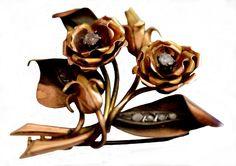 Antique 1/4 Ctw Rose Cut Diamond 9K Gold Brooch 12g