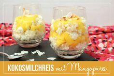 Kokosmilchreis mit Mangopüree im Glas / Coconut Rice Pudding with Mango   orangenmond.at