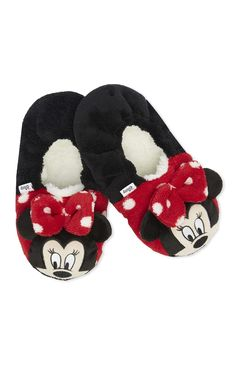 Primark - Chinelos Minnie Mouse em feltro Disney Slippers, Cute Slippers, Winter Slippers, Newborn Shoes, Baby Shoes, Baby Knitting, Crochet Baby, Expecting Mom Gifts, Baby Sewing