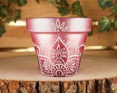 ideas painting flower pots ideas design for 2019 Painted Flower Pots, Painted Pots, Flower Planters, Flower Pot People, Clay Pot People, Clay Pot Crafts, Crafts To Make, Lotus Design, Painted Wooden Boxes