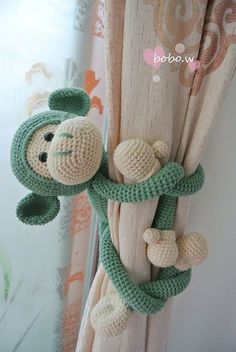 Amigurumi For Baby Room – Knitting And We Crochet Baby Toys, Crochet Diy, Crochet Gifts, Crochet Animals, Baby Knitting, Crochet Bunny Pattern, Crochet Patterns Amigurumi, Knitted Dolls, Crochet Dolls