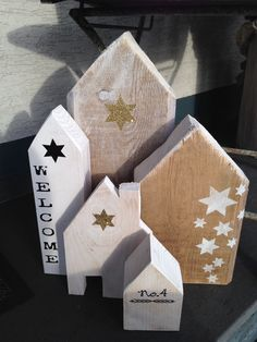 Wood Crafts wooden blocks for crafts Scrap Wood Crafts, Wood Block Crafts, Wooden Crafts, Diy And Crafts, Christmas Wood Crafts, Holiday Crafts, Christmas Crafts, Christmas Decorations, Simple Christmas