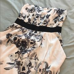 Sale  NWT H&M // Floral Strapless Dress Size 8 Beautiful strapless dress from H&M new with tag. Very nice silky material complete with boning at the bodice. Has loose pockets on both sides. Fully lined. Make me an offer Always happy to bundle Will hold H&M Dresses Strapless